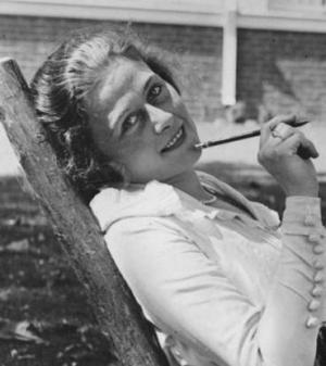 Frances_Marion_1918